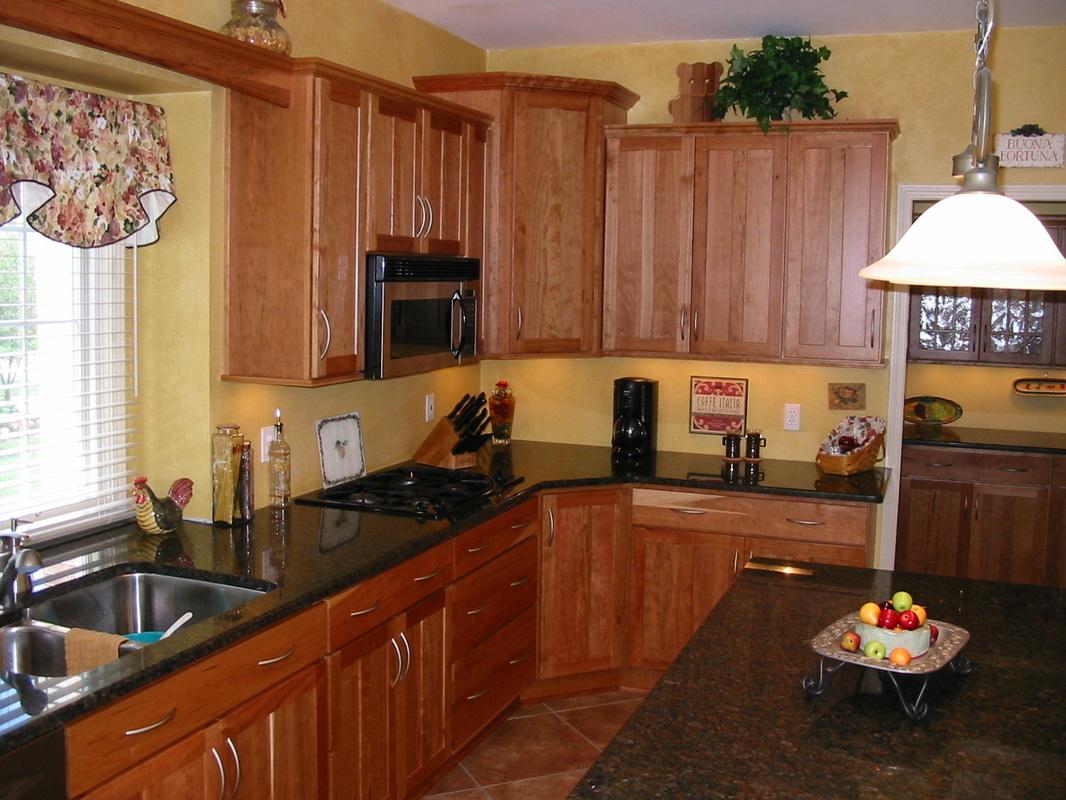 Photos - Kitchens with Cherry, Oak, Hickory, or Lyptus ...